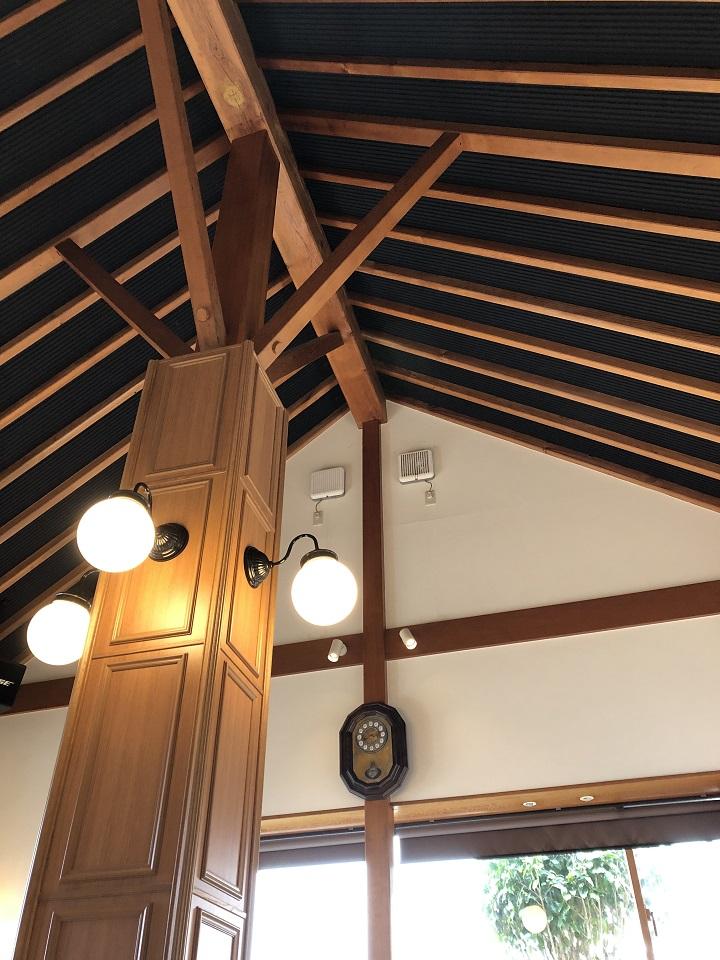 地産食堂 味工房 ひさみ店内。京都・京丹後の釣り場、間人漁港