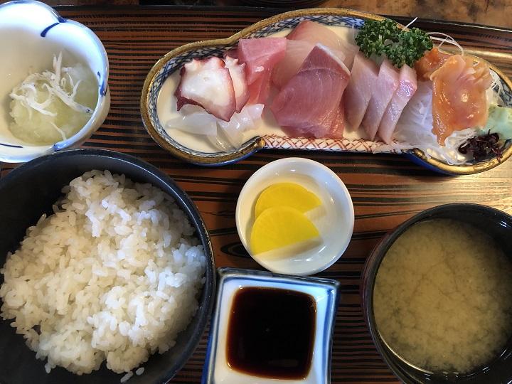京都の釣り場メシ!宮津港で食べる富田屋の絶品海鮮ランチ!刺身定食