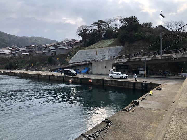 釣りファミ 間人漁港(京都・京丹後)の釣り場情報 橋の下