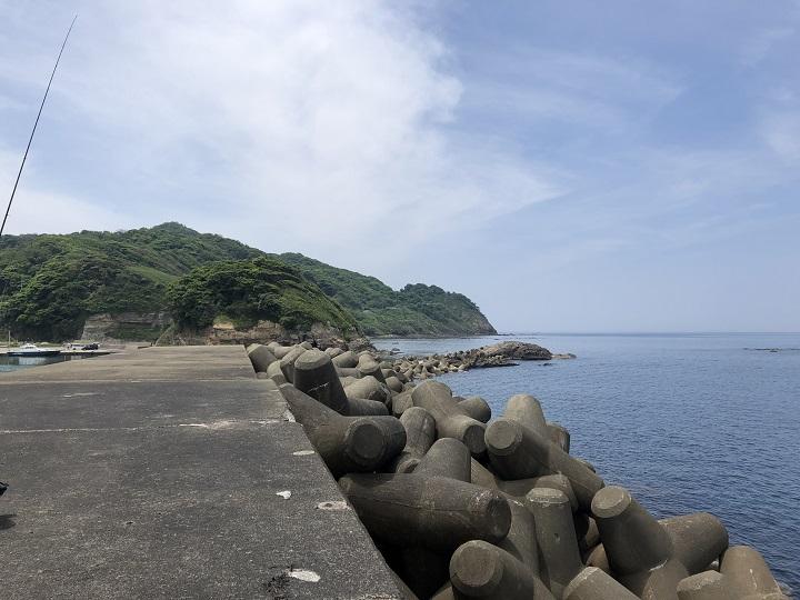 浅茂川漁港(京都・京丹後)の釣り場情報 大波止