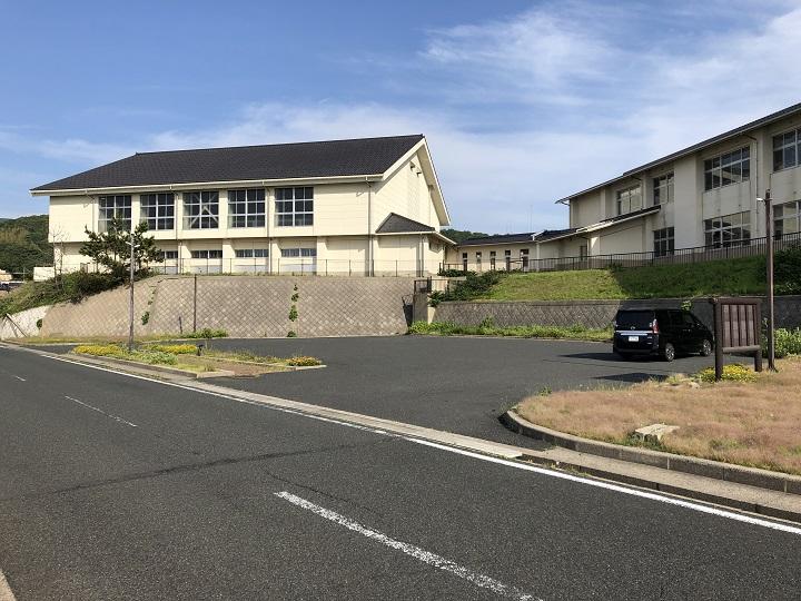 ミ 間人漁港(京都・京丹後)の釣り場情報 駐車場