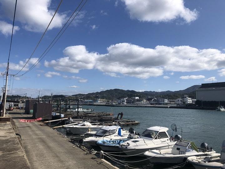 深日港(大阪・岬町)の釣り場情報│泉南エリア 赤灯台