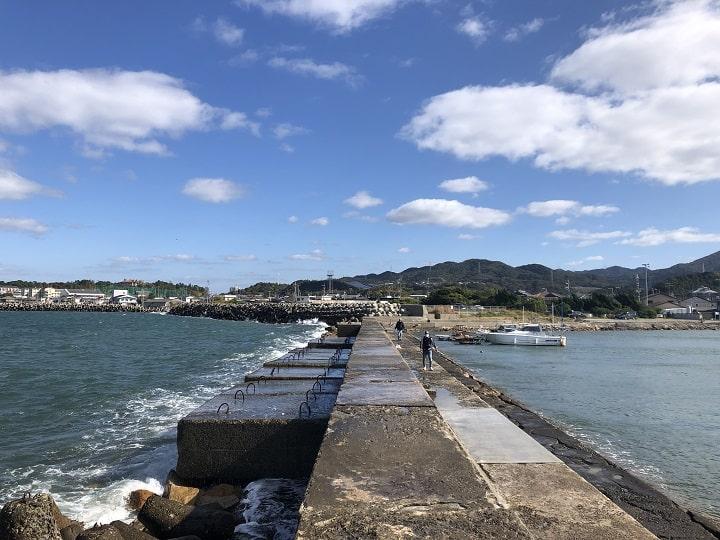深日港(大阪・岬町)の釣り場情報│泉南エリア 白灯台